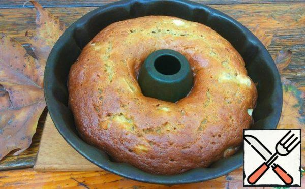Bake at 180 degrees for 50 minutes. Check readiness with a toothpick, when piercing the manna, it should come out dry.
