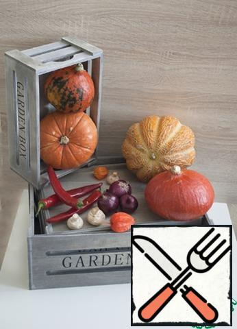 After collecting your harvest, or going to the store, choose a sweet variety of pumpkin, according to their feelings small pumpkins-and sweet, and it is more convenient to clean.