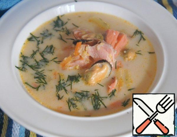 Cheese Soup with Mussels and Salmon Recipe