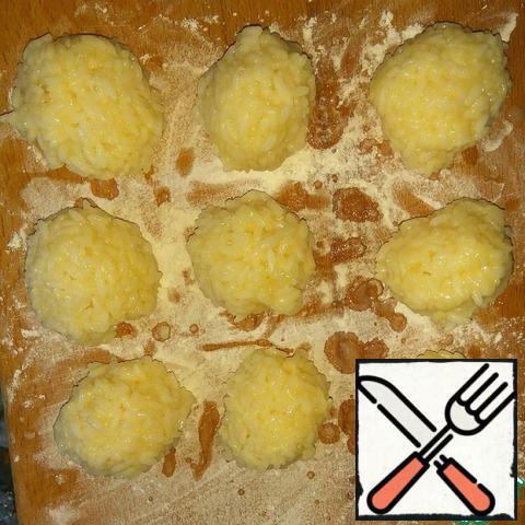 Wet hands to form rice balls.