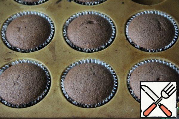 Bake at a temperature of about 20 minutes at 170 degrees.