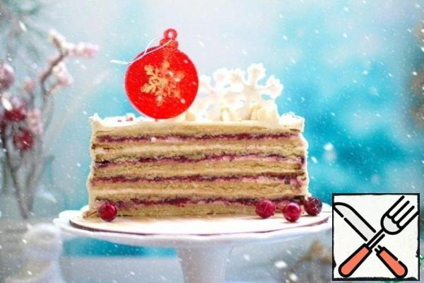 The weight of the finished cake is about 2 kg, I got 2200 with the decor. If you do not like soaked cakes of this kind, it is better to serve as quickly as possible. After a day, the cakes take the cream from the cream and become less sandy and fluff slightly.