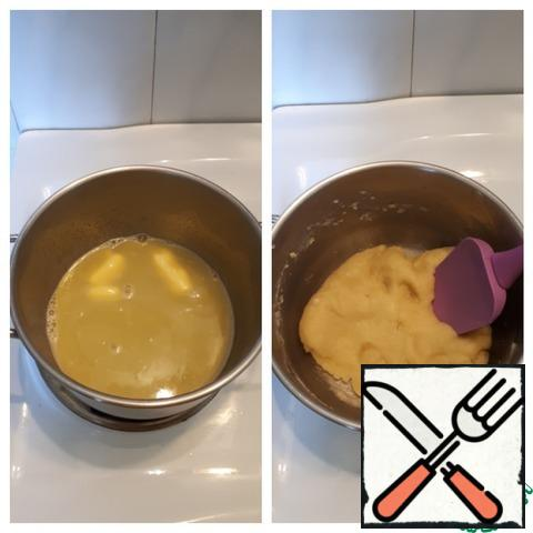 Prepare the custard dough. Bring the water and oil to a boil, add salt, add flour, and mix well.