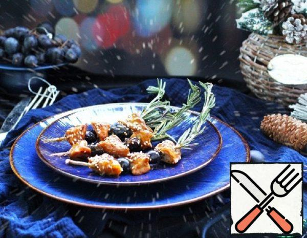 Glazed Duck with Grapes on Skewers Recipe