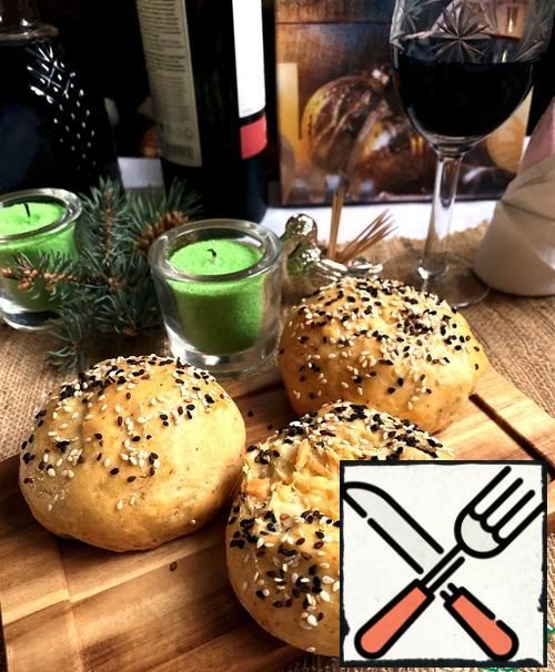 You can serve the rolls warm or completely cold for various dishes and for making sandwiches.