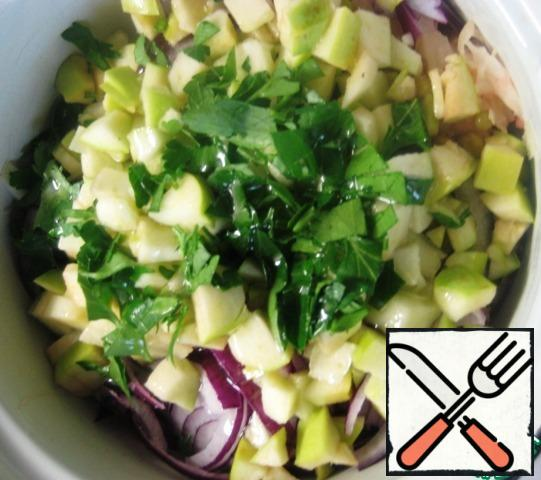 Chop the parsley, add to the rest of the ingredients, season the salad with vegetable oil, mix gently and serve!