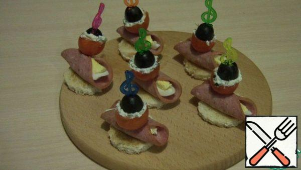 These are the canapes you get!