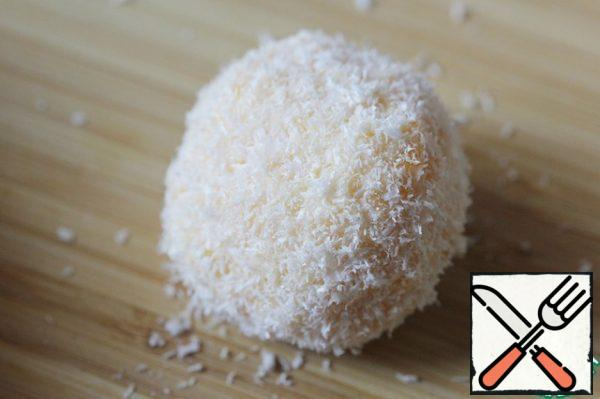 Roll each ball in coconut shavings. Allow the finished balls to stand in the refrigerator for a while, then serve. I do not recommend storing this snack for more than 12 hours.