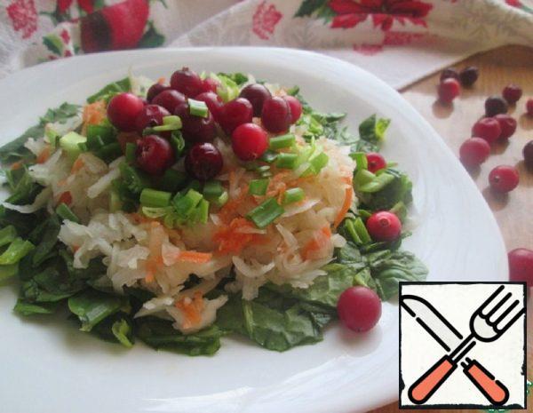 Spinach and Sauerkraut Salad Recipe