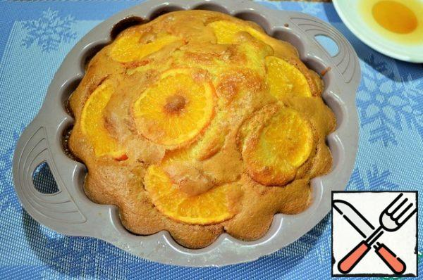 "Place in the oven and bake for 45 -50 minutes at 180-190 degrees, to ""dry matches"". Mix the tangerine juice and the remaining brown sugar."