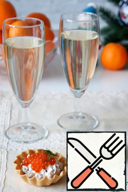 This is a good snack for wine or champagne. All the ingredients are important here, I do not recommend excluding something, so as not to ruin the balance of taste)