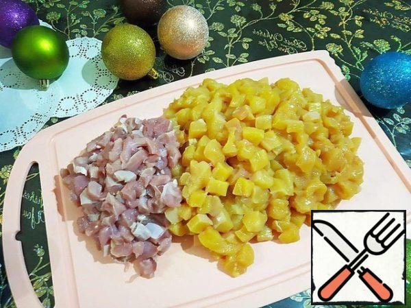 Cut the chicken breast and Turkey thigh into small pieces , no more than 1 cm.