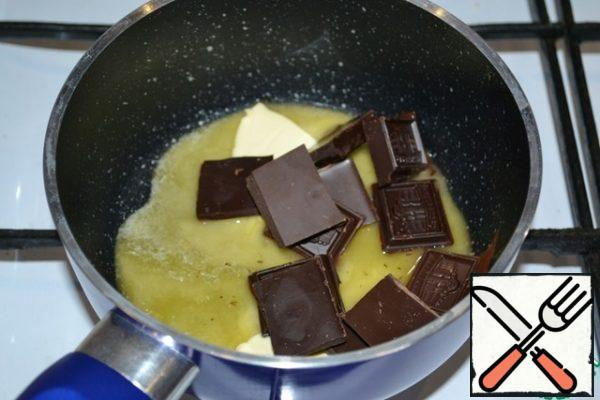 Put butter and chocolate in a saucepan and melt.