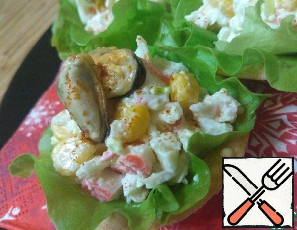 Tartlets with Crab Sticks and Mussels Recipe