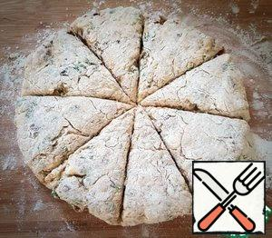 Cut the dough into 8 triangles.