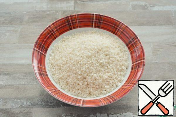 """Rice for risotto is the Foundation of the basics. Gourmets are advised to take varieties: Arborio, Carnaroli and Vialone nano. The packaging may also say """"for risotto""""."""