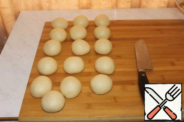 Divide the dough into equal parts. I got 16 parts of 70-75 grams.