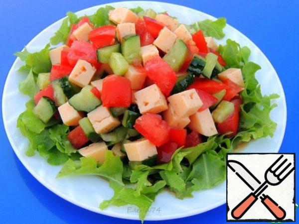 Fill the salad and spread on the lettuce leaves. Serve.