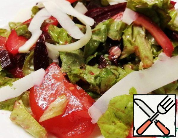 Fresh Salad with Beetroot and Goat Cheese Recipe