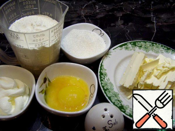 We will prepare the products from which we will make the dough. This quantity makes 18 tartlets with a diameter of 6 cm.