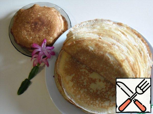 You can bake pancakes in a frying pan of the desired diameter. I baked two diameters.