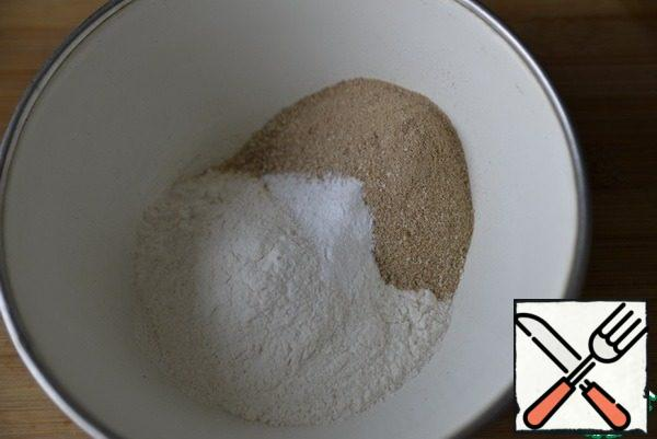 Mix wheat and buckwheat flour with baking powder.