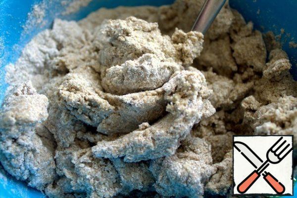 Knead the dough, similar to plasticine.