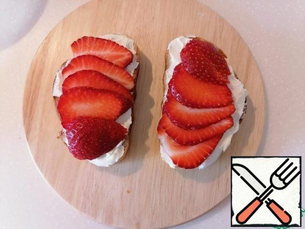 Sliced strawberries (or any seasonal juicy sweet and sour fruit/berries).