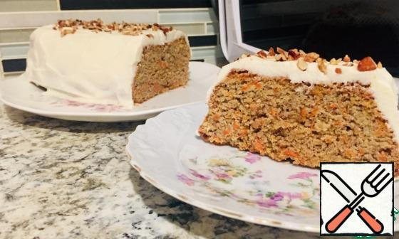 That's how smart and positive our carrot cake looks in the cut. Bon Appetit!