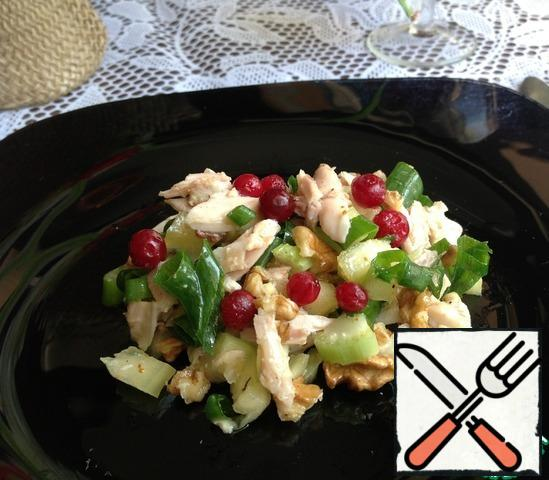 Top the salad with cranberries and let it stand for 20 minutes.