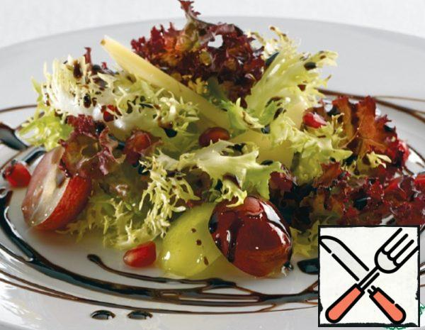 Pomegranate Salad with Grapes Recipe