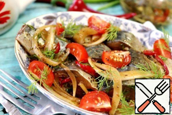 Cut the tomatoes into slices. When serving, add tomatoes to a plate with pickled mackerel. It will be very delicious! Sprinkle with herbs. Bon Appetit!