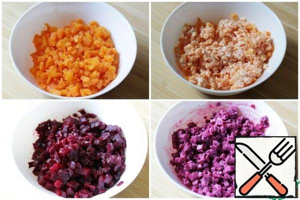 All ingredients are approximate, I always make salads by eye. So, cut the carrots into small cubes (no more than 5x5 mm) and mix with a little maoines. Chop the beets and season with mayonnaise.