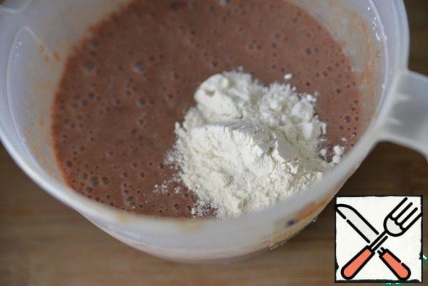 Put the flour.