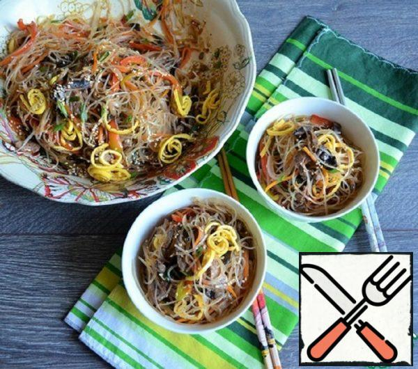 """Noodles with Meat and Vegetables """"Chapche"""" Recipe"""