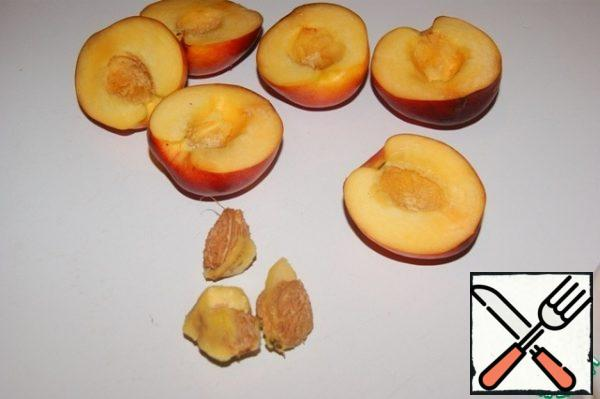 Cream: Release the nectarines from the seeds.