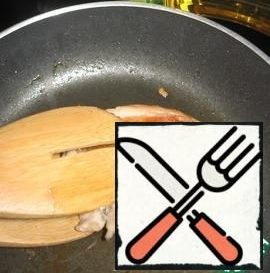 Lightly grease the pan with oil, put the chicken breast (salted) on a hot pan and fry quickly on 2 sides. Then cover with a lid and leave on a low heat for 15 minutes. Cool and cut into slices.
