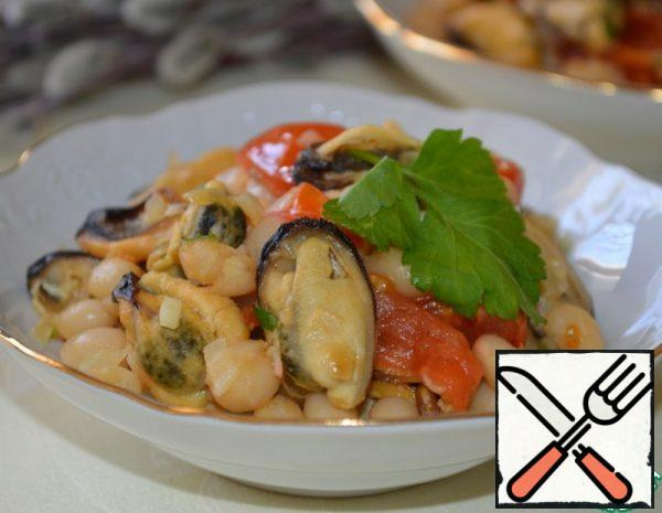 Warm Salad with Beans and Mussels Recipe