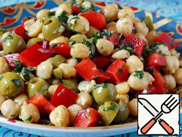 Salad of Chickpeas, Peppers and Olives Recipe