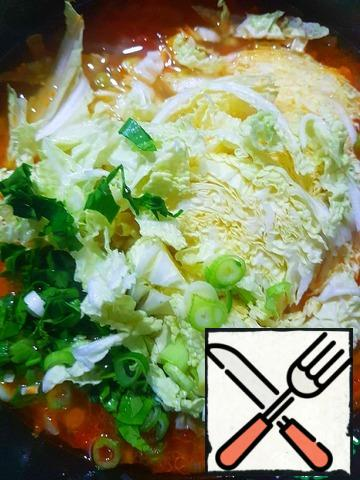 Add cabbage and herbs to the pot with potatoes, bring to a boil, turn off the stove. Let it brew. When serving, pepper.