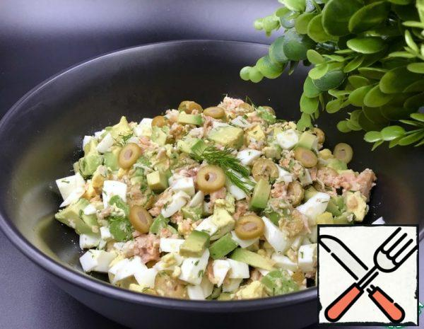 Salad with Avocado and canned Salmon Recipe