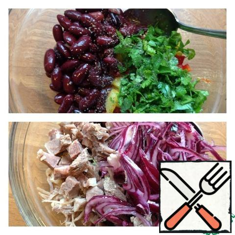 Drain the liquid from the beans and add to the salad. Finely chop the parsley. Add salt and ground pepper. Squeeze the pickled onion and add it to the salad. Cut the meat into a small cube. Add butter. Mix the salad.