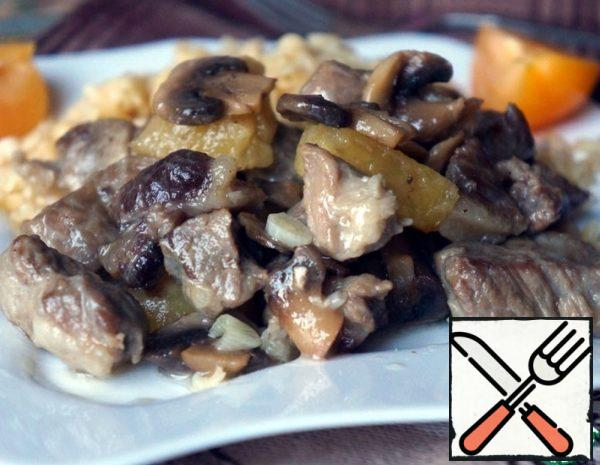 Pork with Mushrooms and Pineapple Recipe
