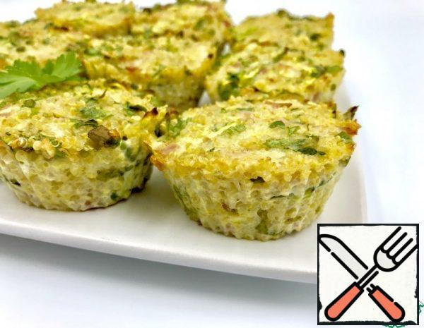 For 12 muffins, I washed and cooked 120 g of quinoa (1 full measuring Cup for a slow cooker). Grated zucchini and cheese on a large grater, sliced low-fat ham. Chopped herbs (I have parsley and green onions). Added 2 eggs and mixed all the ingredients. Spread the mixture into muffin pans and bake in the oven at 180C for 20 minutes.
