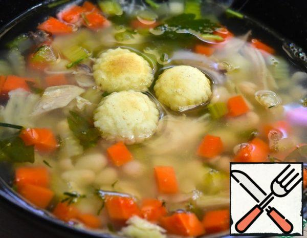 Chicken Soup with white Beans Recipe