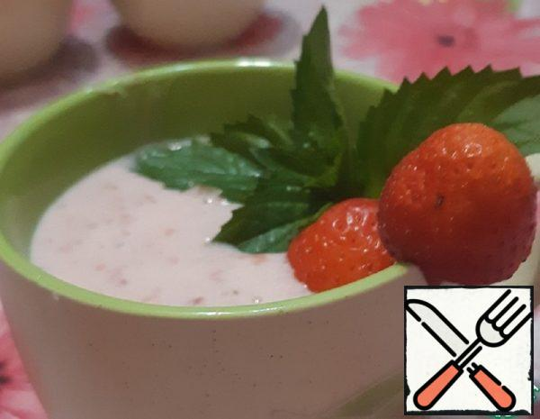 Strawberry and Mint Cocktail Recipe