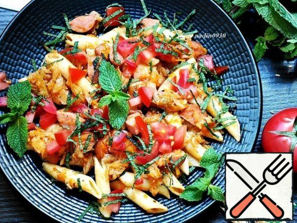 allow the flavors to infuse for a few minutes, and you can serve. A mixture of garlic, fennel and mint will give a very appetizing and spicy flavor and taste to the dish.