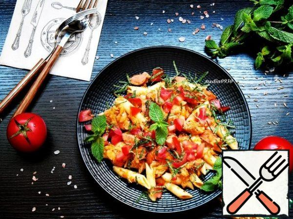 When serving, sprinkle chopped mint and small pieces of fresh tomato on each serving. If you exclude sausages, the dish can be used in the post, or as a mixed side dish to meat and fish dishes. Enjoy your meal!!!