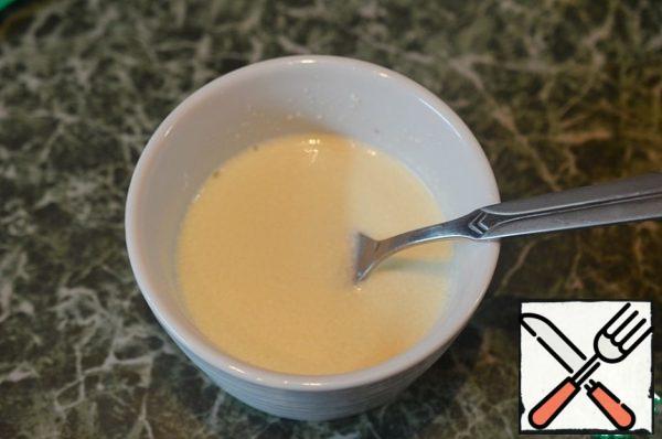 Add mayonnaise and RUB through a sieve.