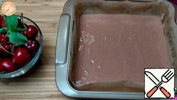 Bake at a temperature of 180 degrees, 20-25 minutes in the form of 21x21 cm.